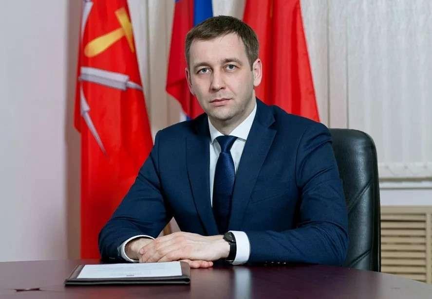 Павел Фёдоров поздравил алексинцев с Днём России